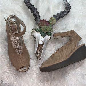 Fly London // Yala Perforated Sandal